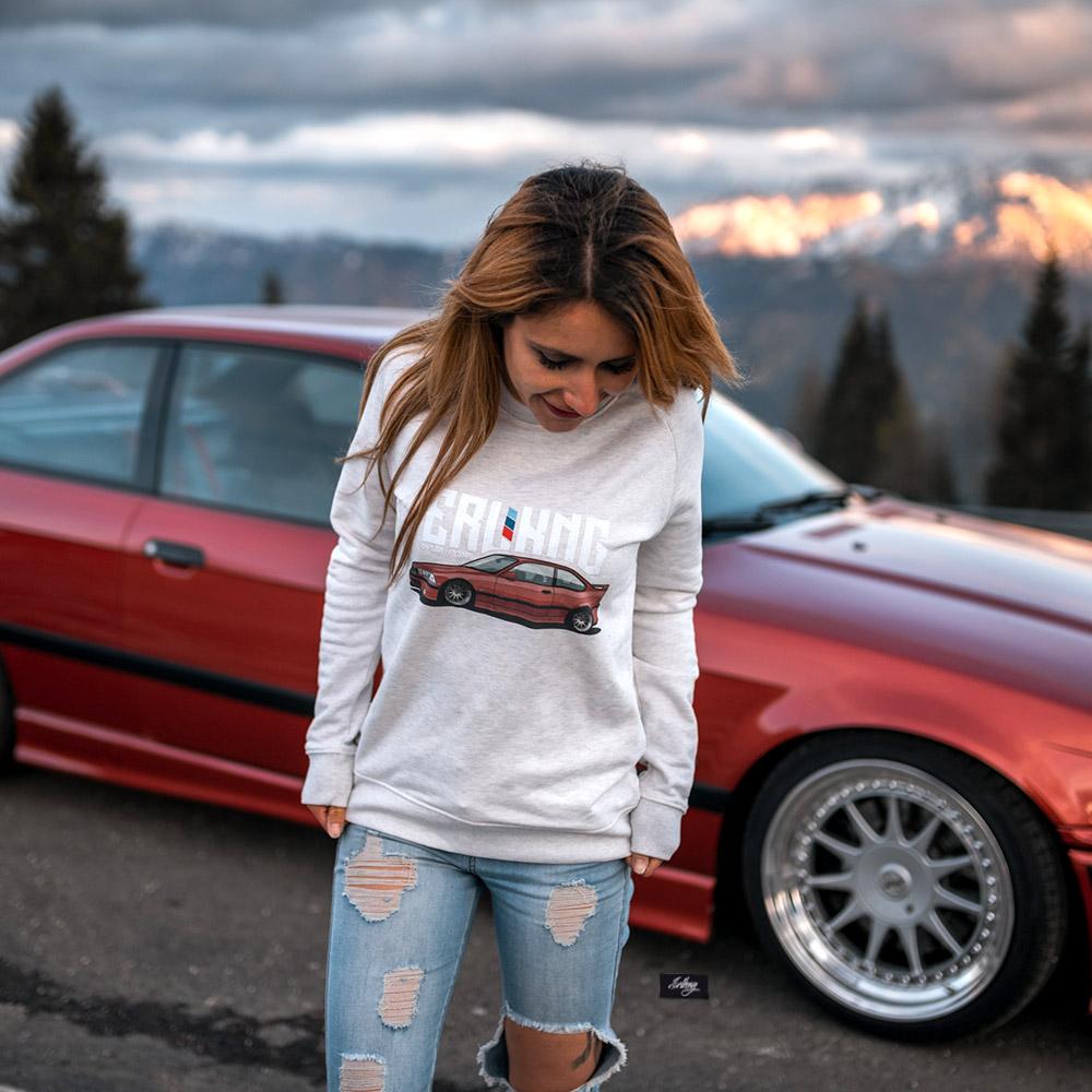 Damen Sweatshirt - ERLKNG e36 Front // Lisa Yasmin
